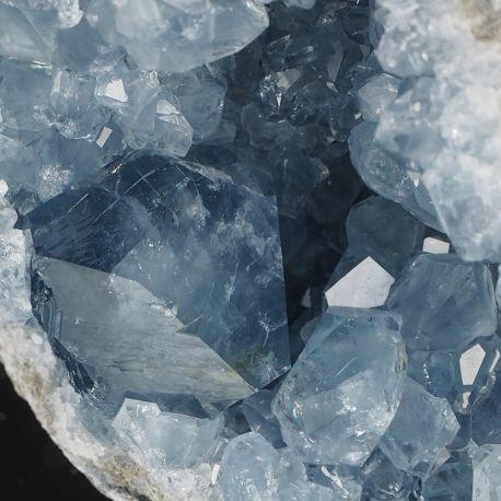 Celestyn - geoda z niebieskimi kryształami - Madagaskar