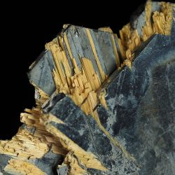 Złoty rutyl na hematycie - Brazylia