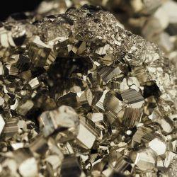 Piryt - kamień Inków - błyszczące kryształy - Peru